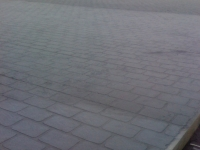 decorative-concrete-stamped-concrete-overlays-cobblestone-pattern-driveway-1